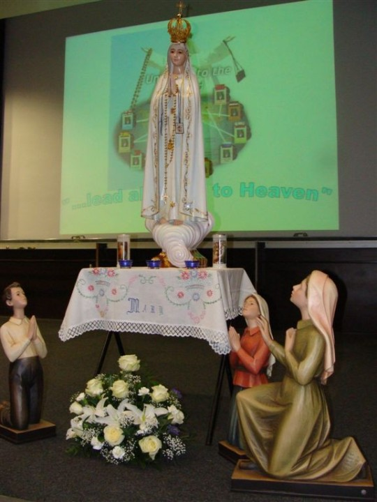 the statue of Our Lady and three little shepherds-National Fatima Conference 2010