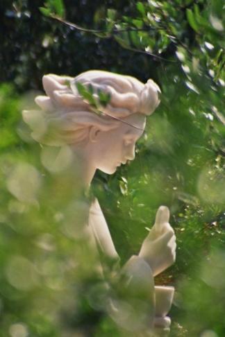 Angel of Peace in Fatima with Eucharist www.thecalltofatima.com